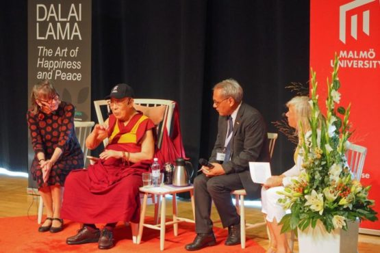 达赖喇嘛尊者在瑞典马尔默大学成立80周年庆典会上发表讲话 2018年9月13日 照片/Jeremy Russell/OHHDL