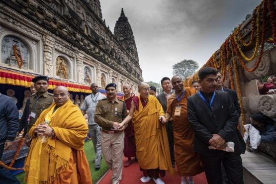达赖喇嘛尊者在菩提伽耶朝拜摩诃菩提寺 2018年12月17日 照片/Tenzin Choejor/OHHDL